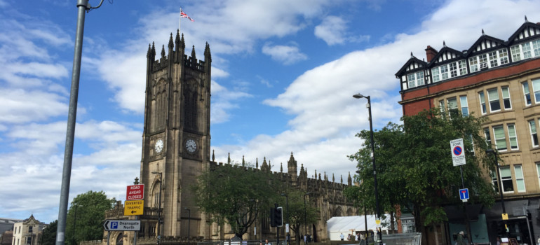 area guide for living in manchester - the cathedral